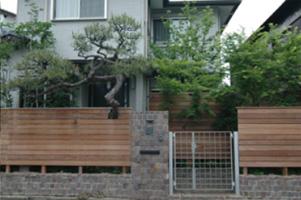 大宏園の木製フェンスの実例